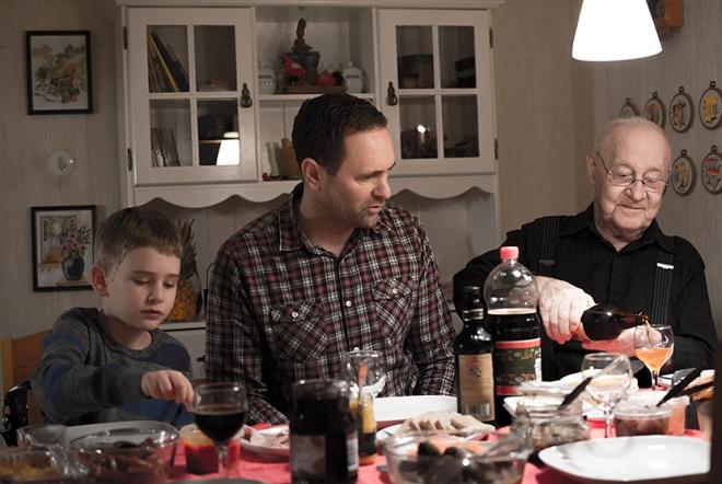 Ville-Daniel-och-morfar-Kjell-juldagen-i-Omne