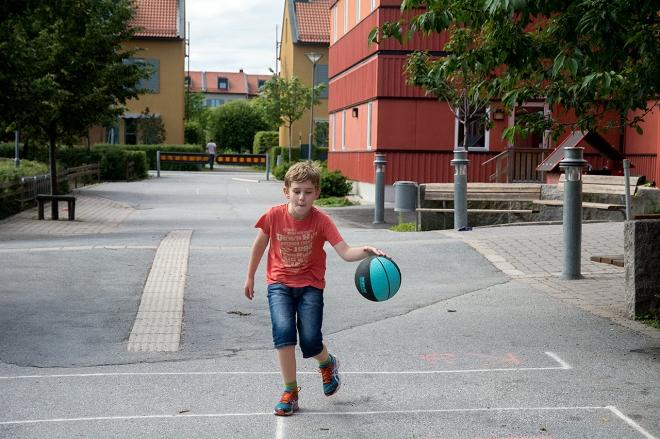 Spanga_Ville_dribblar_basket